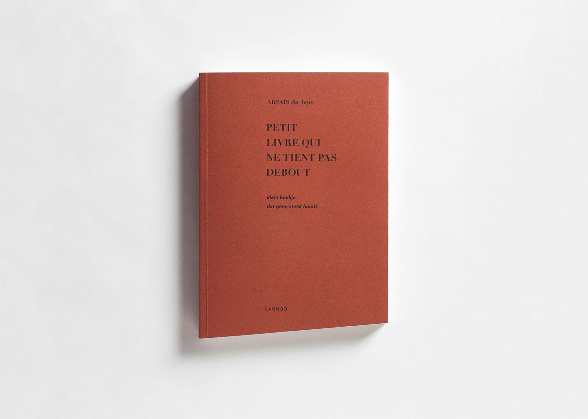 undercast petit livre qui ne tient pas debout. Black Bedroom Furniture Sets. Home Design Ideas