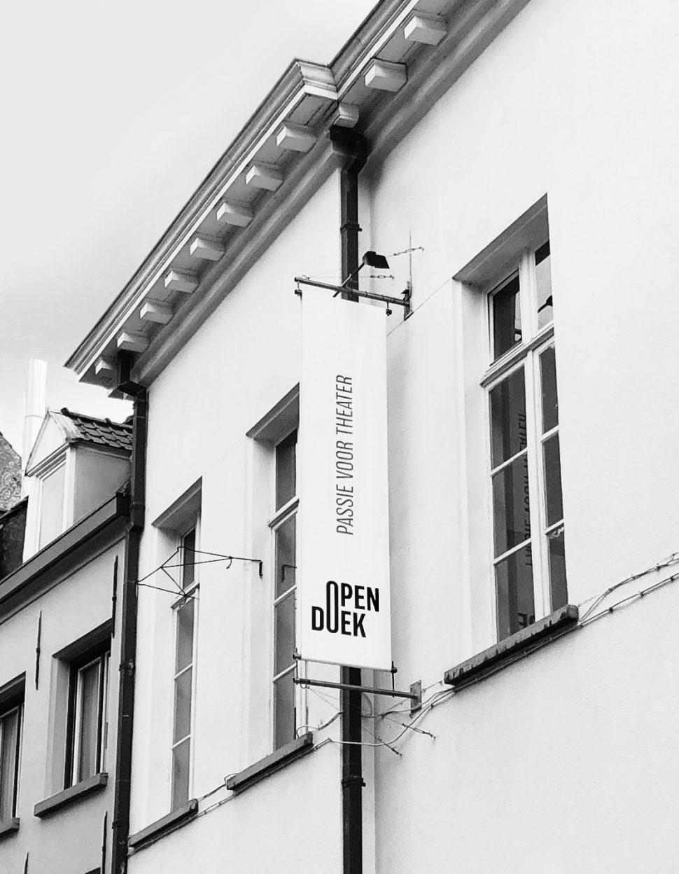 Opendoek banner Zirkstraat Antwerpen